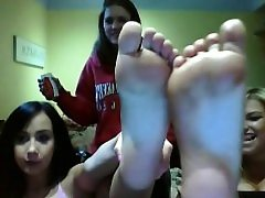 Sleaze ash-blonde has the kinky foot fetish