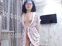 Unshaved Japanese Nubile Dancing on Webcam