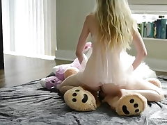 Teen blonde, steaming solo and teddy bear!