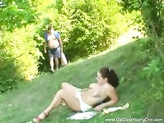 Daddy boinks tramp outdoors
