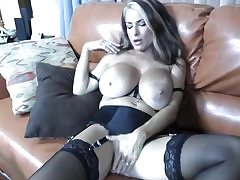 Hot milf with immense melons deep-throating a monstrous good-sized donger blowage