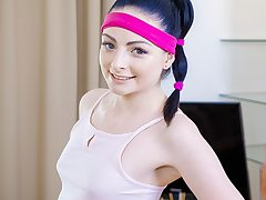Babe completes workout with ejaculation